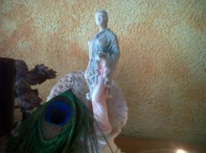 Es la imagen de Hera en el altar Olímpico de nuestro hogar
